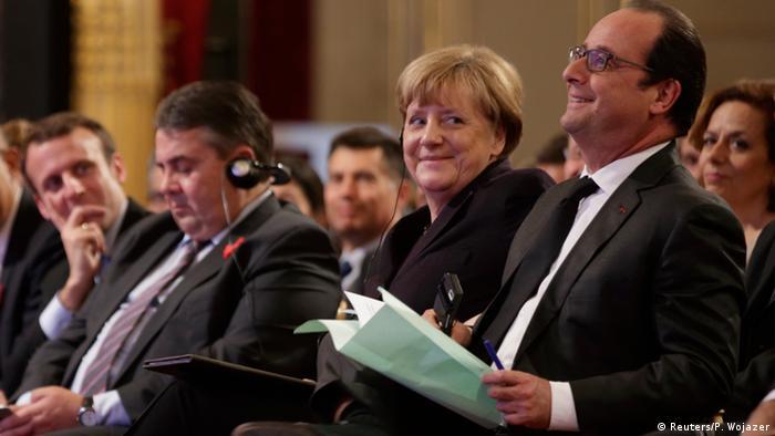 Frankreich Emmanuel Macron, Sigmar Gabriel, Angela Merkel und Francois Hollande in Paris (Reuters/P. Wojazer)