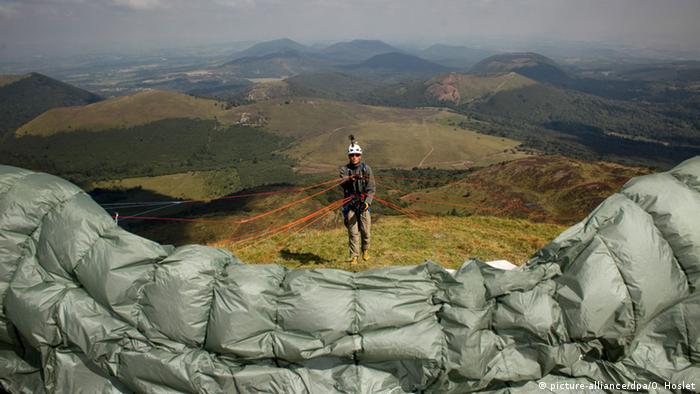Frankreich Auvergne Paragliding