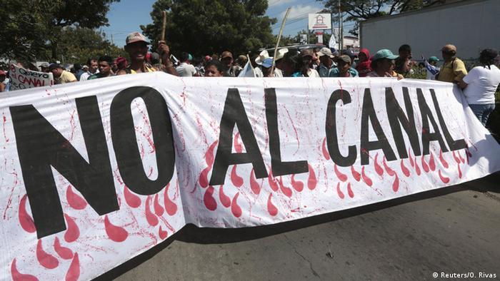 Protesta contra la construcción del Gran Canal.