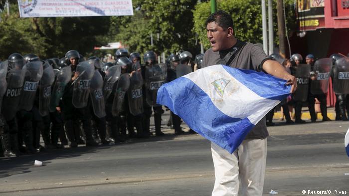 Manifestación contra la construcción del Gran Canal Interoceánico, Managua. Octubre 2015 (Reuters/O. Rivas)
