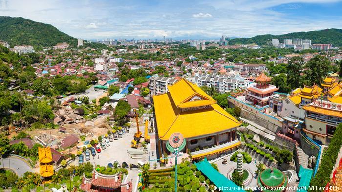 Malaysia George Town Stadtansicht (picture-alliance/dpa/robertharding/M. Williams-Ellis)