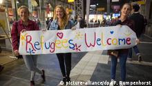 Deutschland Flüchtlinge willkommen Plakat in Frankfurt am Main