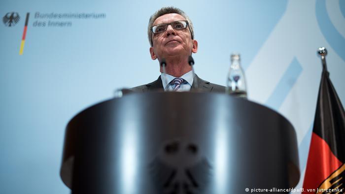 Deutschland PK De Maiziere zur aktuellen Flüchtlingssituation