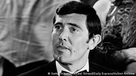 Australien Schauspieler George Lazenby als James Bond (Getty Images/Michael Stroud/Daily Express/Hulton Archive)