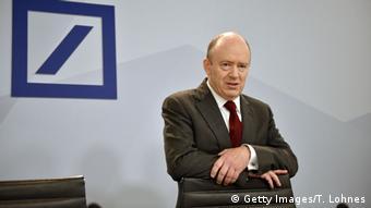 Δύσκολοι καιροί για τον επικεφαλής της Deutsche Bank Τζον Κράιαν
