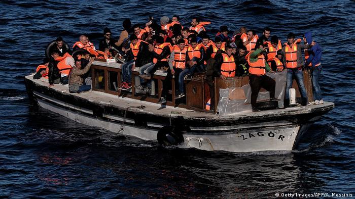 Griechenland Flüchtlingsboot vor Lesbos