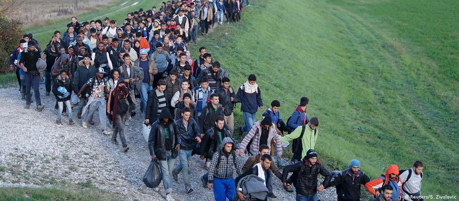 Desde outubro, mais de 170 mil migrantes cruzaram a fronteira entre Croácia e Eslovênia