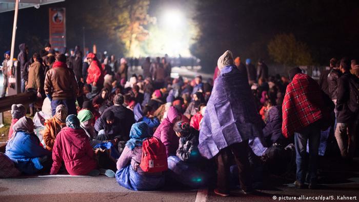 Flüchtlinge an der deutsch-österreichischen Grenze (Foto: dpa/picture-alliance)