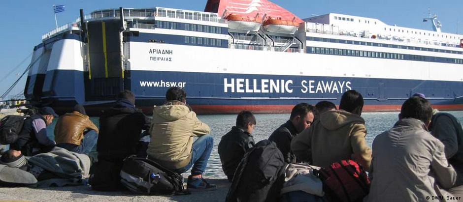 Refugiados no porto grego de Lesbos