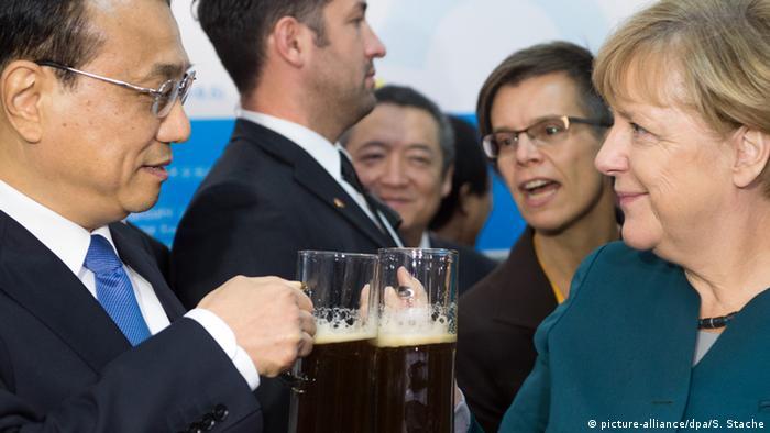Канцлерка ФРН Анґела Меркель та глава уряду Китаю Лі Кецян