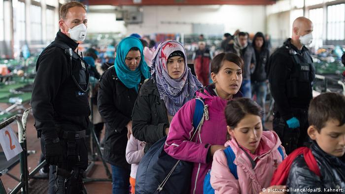 Refugee in Bavaria (c) picture-alliance/dpa/S. Kahnert