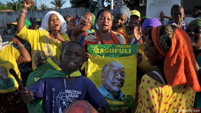 Tansania Wahlen CCM John Magufuli Anhänger (Foto: Reuters/S. Said)
