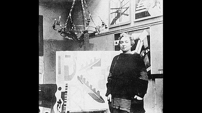 Александра Экстер в своем парижском ателье в 1920-е годы.