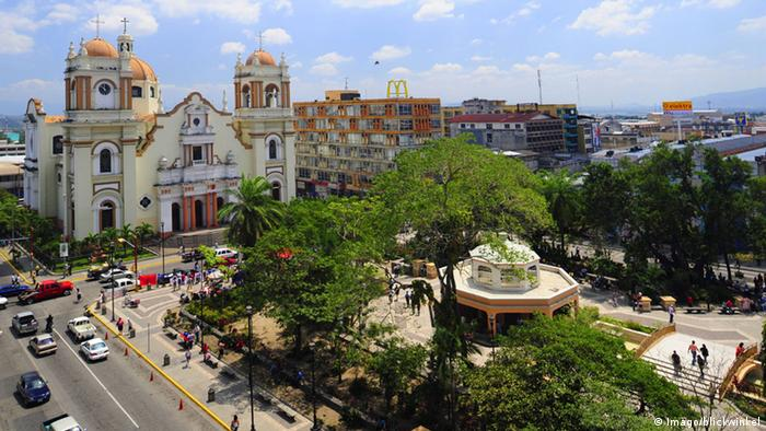 Honduras San Pedro Sula Kathedrale (Imago/blickwinkel)