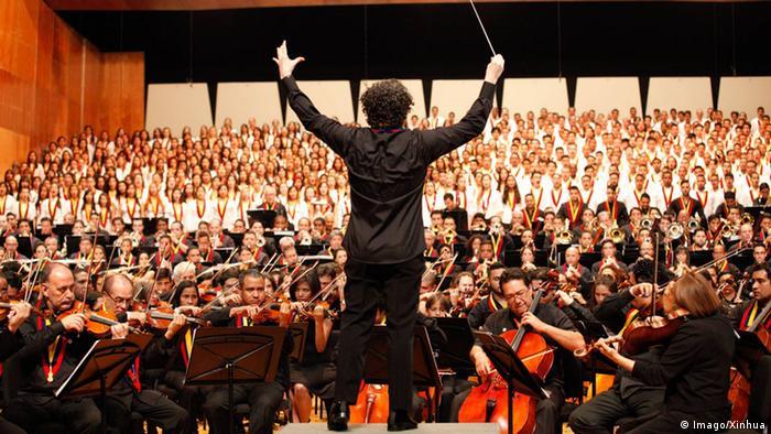 Venezuela Dirigent - Gustavo Dudamel Chor (Imago/Xinhua)
