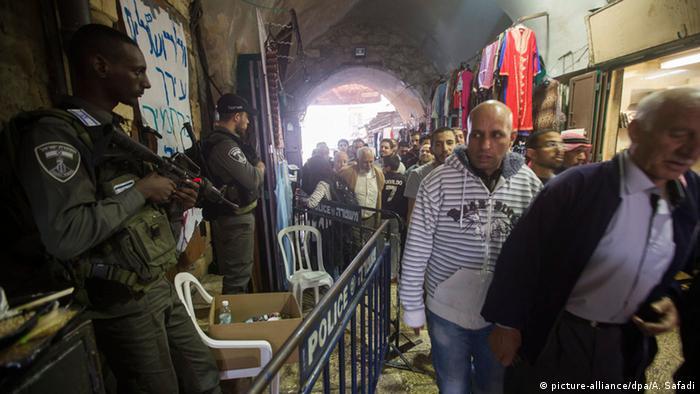 Ізраїльські поліцейські патрулюють вулиці Старого міста в Єрусалимі