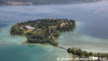 27.06.2014, Insel Mainau, Blumeninsel mit Park und Schloss, im Besitz der schwedischstämmigen Adelsfamilie Bernadotte.