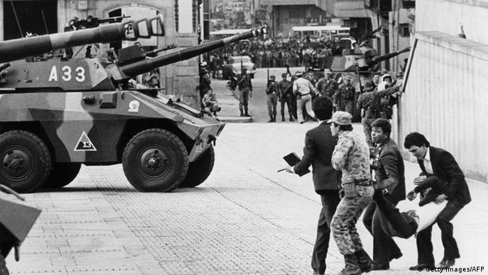 Kolumbien Stürmung des Obersten Gerichts durch Guerillas 1985 Verletzter