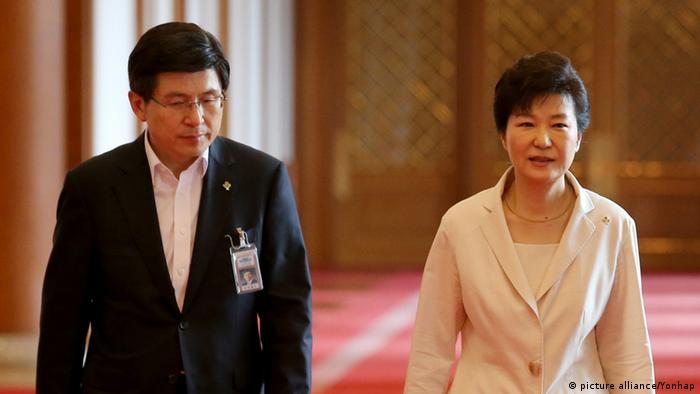Südkorea Präsidentin Park Geun-hye und Premierminister Hwang Kyo-ahn