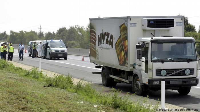 Lastwagen mit toten Flüchtlingen in Österreich ARCHIV