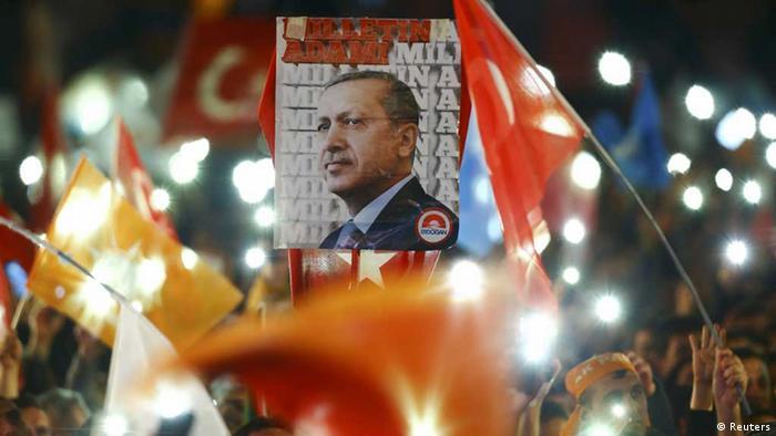1 Kasım seçimleri sonucunda AKP tek başına iktidar oldu
