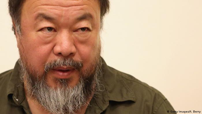 Deutschland Ai Weiwei in Berlin Symbolbild (Getty Images/A. Berry)