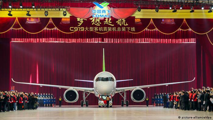 """Lançamento do jato C919 : O primeiro avião de passageiros """"MADE IN CHINA"""""""