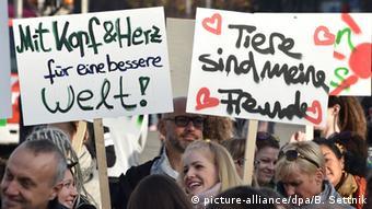 People demonstrating at the World Vegan Day in Berlin (Photo: Bernd Settnik/dpa)