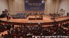 ARCHIV 2014 **** Bildunterschrift:Members of the Iraqi parliament gather to vote on Iraq's new government line-up at the parliament in Baghdad on September 8, 2014. Iraqi MPs approved Haidar al-Abadi's proposed cabinet, making him the new premier, but key security posts remain unfilled even as the country battles to regain ground from militants. AFP/PHOTO/AHMAD AL-RUBAYE (Photo credit should read AHMAD AL-RUBAYE/AFP/Getty Images) Copyright: Getty Images/AFP/A. Al-Rubaye