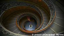 Vatikan Symbolbild Treppe Spirale Giuseppe Momo