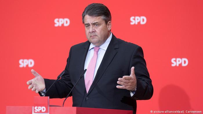 Deutschland Sigmar Gabriel PK zur Flüchtlingspolitik