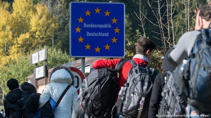 Томас де Мезьєр, криза біженців, міністр внутрішніх справ Німеччини, Греція, біженці, мігранти, Welt am Sonntag