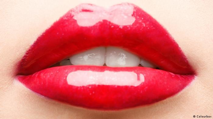 Symbolbild volle Lippen, Lippenstift, rote Lippen
