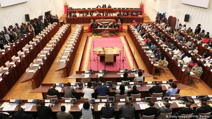 Mozambique Parlamentssitzung