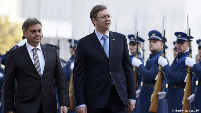 Serbien Bosnien Vucic und Zvizdic (Getty Images/AFP)