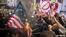 Antiamerikanismus Iran Proteste Flagge wird verbrannt