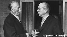 ** ARCHIV ** Bundeskanzler Dr. Konrad Adenauer und Staatssekretär Dr. Hans Globke im Gespräch. Aufgenommen im September 1963 in der italienischen Hauptstadt Rom. +++ Copyright: picture-alliance/dpa