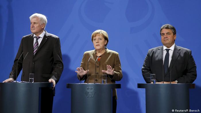 PK Pressekonferenz Flüchtlinge Angela Merkel Horst Seehofer Sigmar Gabriel Berlin Deutschland