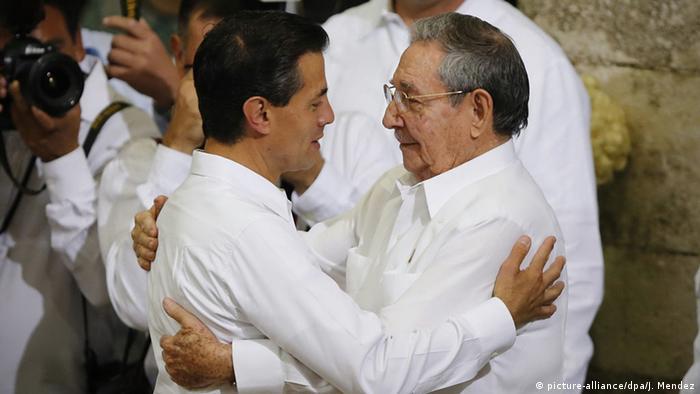 Treffen in Mexiko: Präsident Nieto (li.) und sein kubanischer Amtskollege Castro