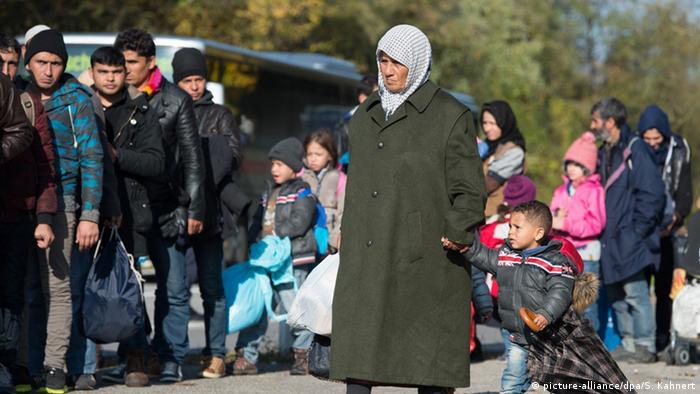 Deutschland Flüchtlingspolitik Familien-Nachzug syrische Flüchtlinge (picture-alliance/dpa/S. Kahnert)