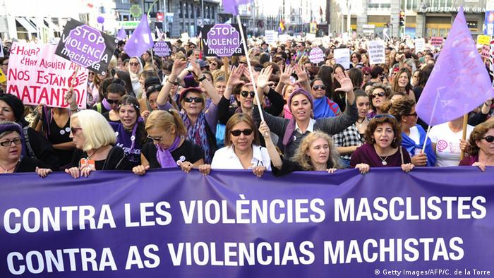 Demonstration gegen Gewalt an Frauen in Madrid (Foto: Getty Images/AFP/C. de la Torre)