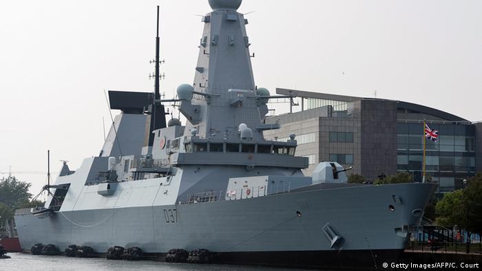 قیمت هر فروند ناو شکن تیپ ۴۵ متعلق به نیروی دریایی بریتانیا یک میلیارد یورو است. یکی از مشکلات اساسی این ناوشکن مربوط به از کار افتادن موتورهای آن است. توربینهای گازی ساخت کارخانه رولز رویس با هوای مناطق گرم مشکل دارند.