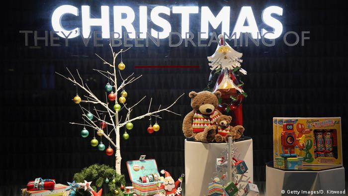 A Christmas display window at John Lewis Retail Store in London. (Photo: Getty Images/D. Kitwood)
