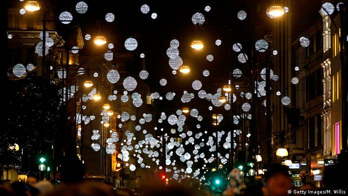 Christmas lights in Oxford Street. (Photo: Getty Images/M. Willis)