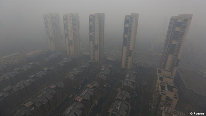 Dangerous smog blankets northeastern China - DW