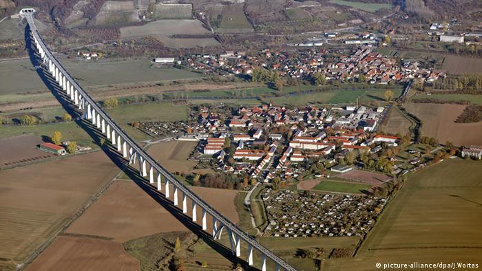 Новый мост в долине реки Унструт