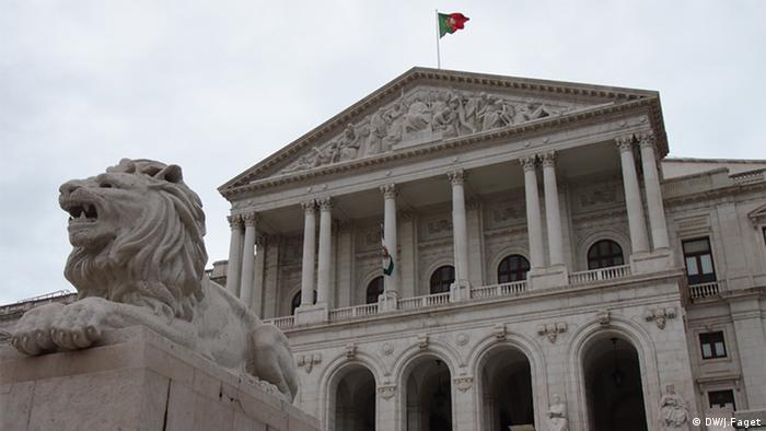 Parlamentsgebäude Regierungssturz in Portugal