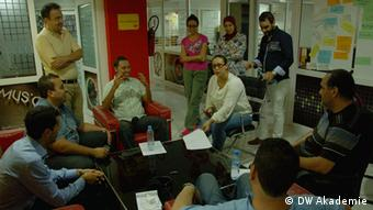 Feedback session with editors and studio guests at Cap Radio in Tangier (photo: DW Akademie).