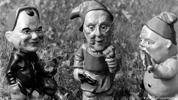 Немецкие политики в виде садовых гномов
