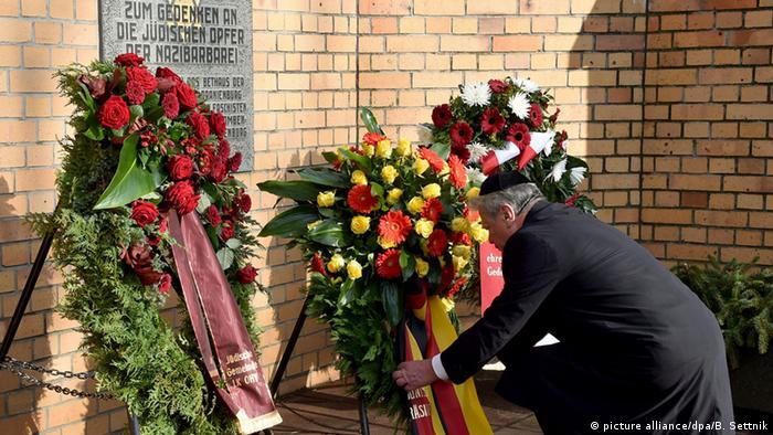 Gauck Bei Gedenkveranstaltung in Oranienburg